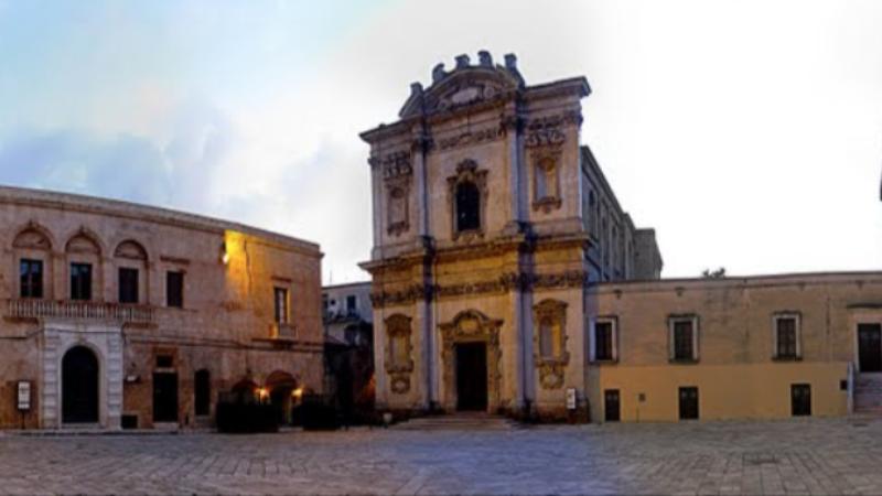 Piazza Orsini mesagne salento