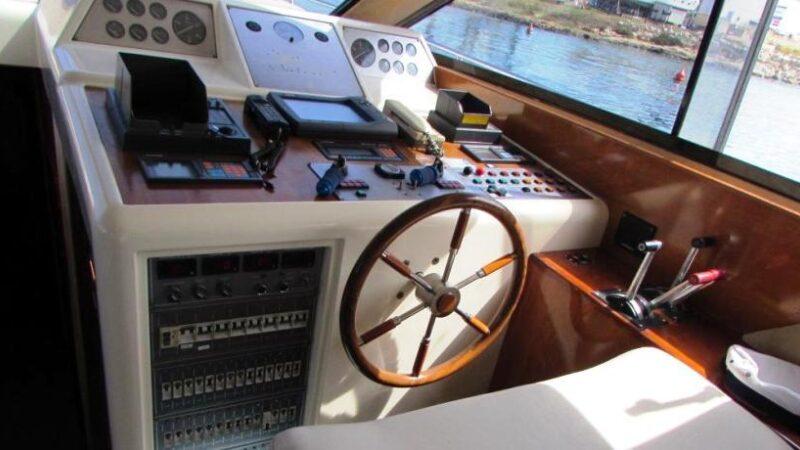 Yacht punta prosciutto noleggio3