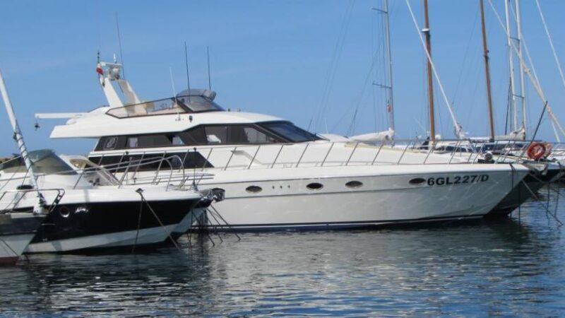 Yacht punta prosciutto noleggio4