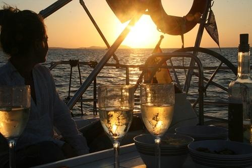 Festa in barca tramonto porto cesareo