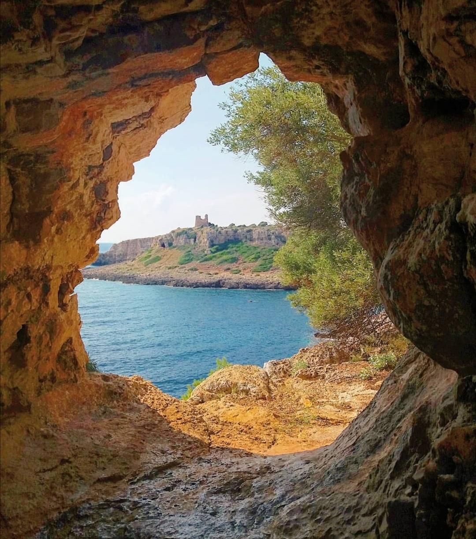 Porto selvaggio grotta