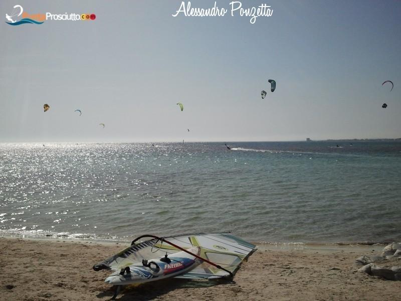 Sport acquatici kitesurf torre lapillo 1s W